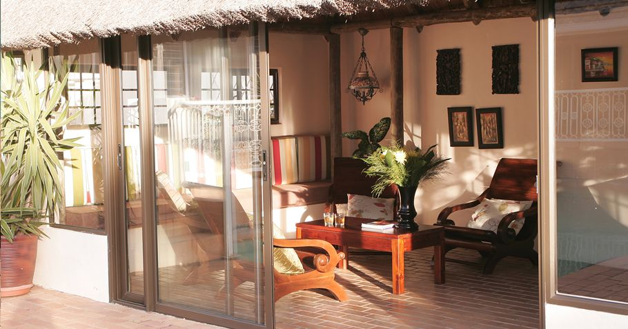 Mandalay Bed & Breakfast Sunroom